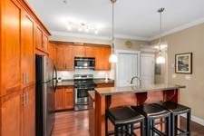 Queen Mary Park Surrey Condo for sale:  2 bedroom 905 sq.ft. (Listed 2017-02-16)