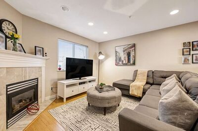 Norgate Townhouse for sale:  3 bedroom 1,370 sq.ft. (Listed 2021-04-14)