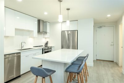 Hamilton Condo for sale: 2 bedroom 808 sq.ft.