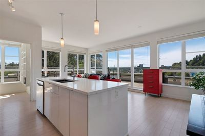 Mosquito Creek Condo for sale:  2 bedroom 967 sq.ft. (Listed 2019-09-24)