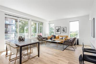 Harbourside Condo for sale:  3 bedroom 1,196 sq.ft. (Listed 2019-09-24)
