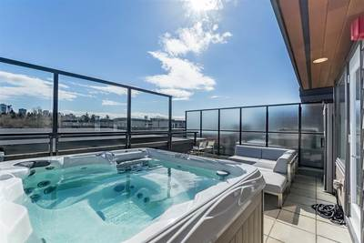 Harbourside Condo for sale:  1 bedroom 759 sq.ft. (Listed 2019-09-24)