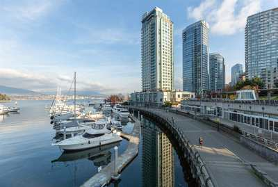 Coal Harbour Townhouse for sale:  2 bedroom 1,642 sq.ft. (Listed 2019-12-13)