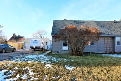 Springbrook Half Duplex for sale:  2 bedroom 1,017 sq.ft. (Listed 2017-12-01)