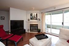 Langley City Condo for sale: Blackberry Lane 1 2 bedroom  Laminate Floors 1,040 sq.ft. (Listed 2016-03-18)