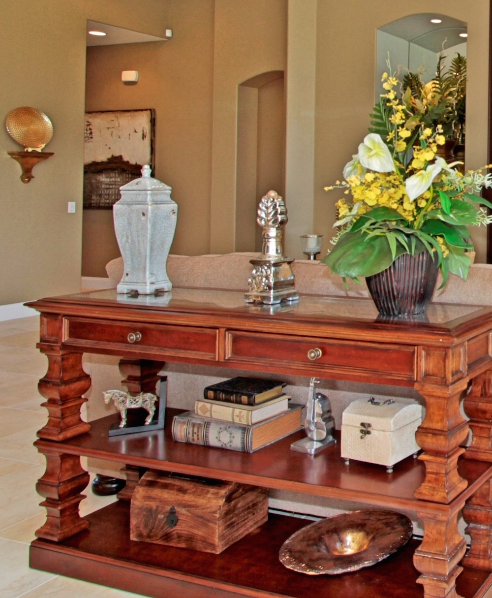Michele buchamer north vancouver real estate entry console entry console table details geotapseo Images