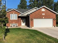 Kincardine House for sale:  4 bedroom  (Listed 2019-10-08)
