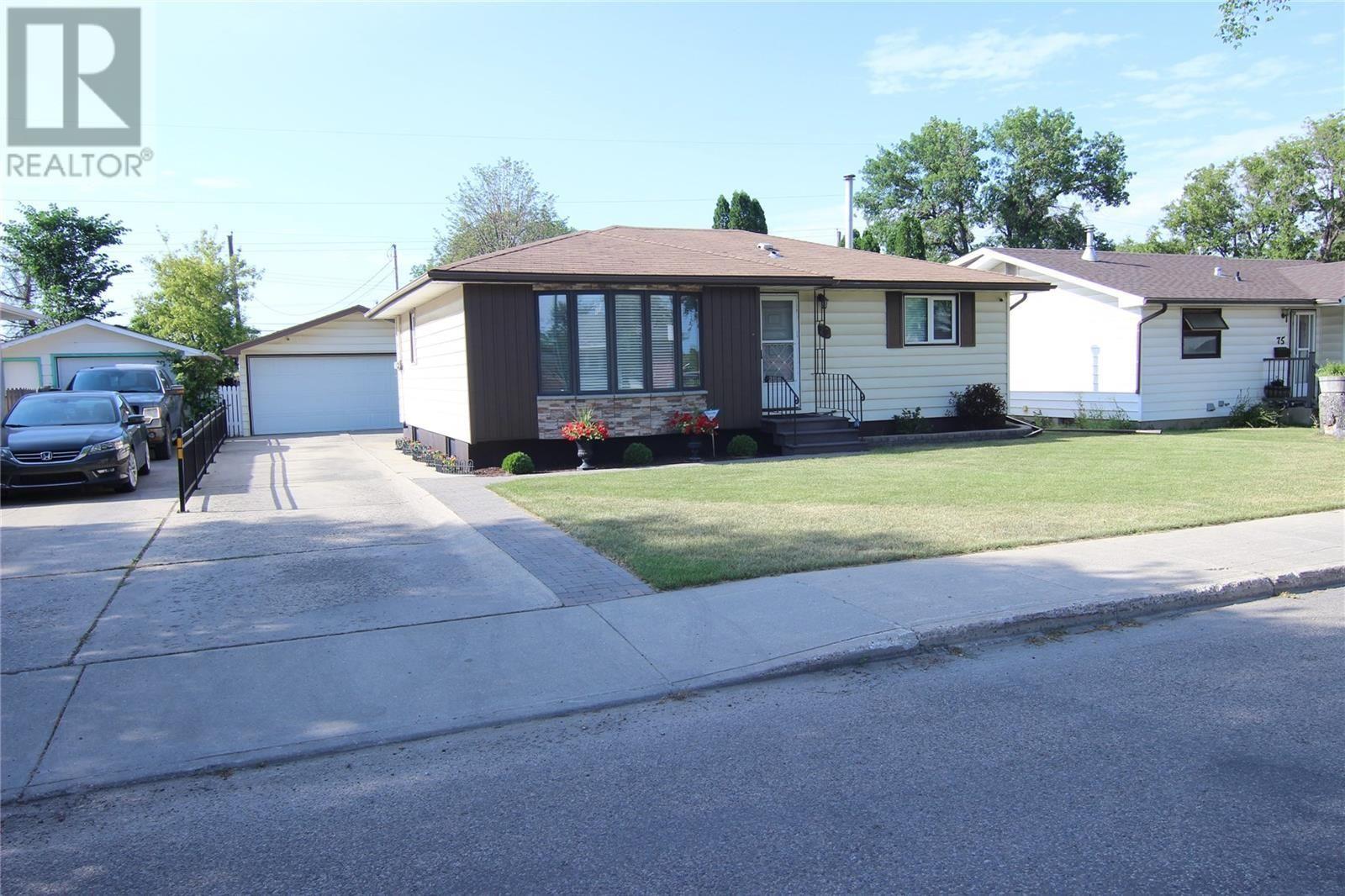 Hudson Bay Park House for sale:  3 bedroom 960 sq.ft. (Listed 2020-08-05)