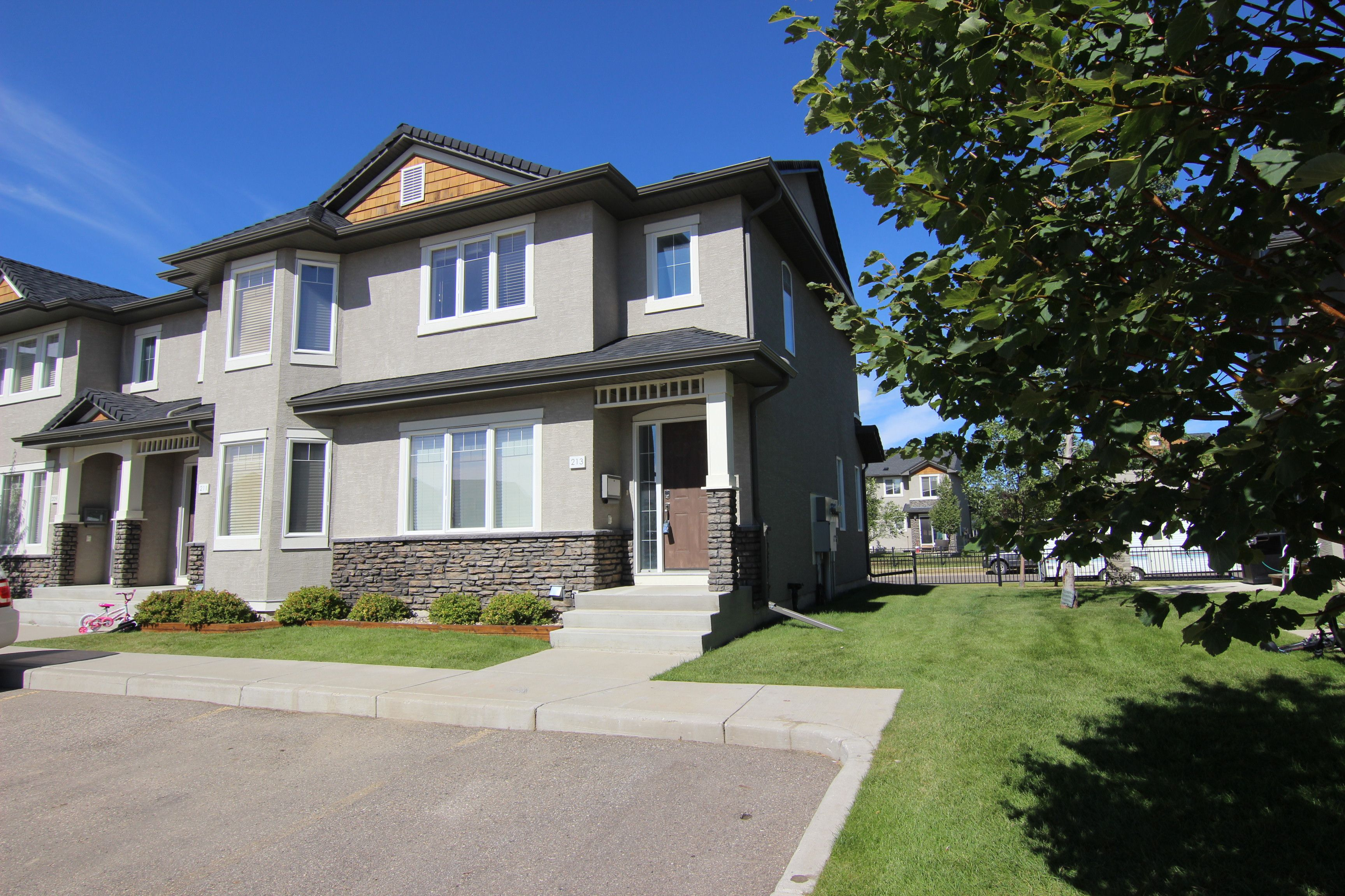 Saskatoon Row / Townhouse for sale:  3 bedroom 1,134 sq.ft. (Listed 2020-08-19)