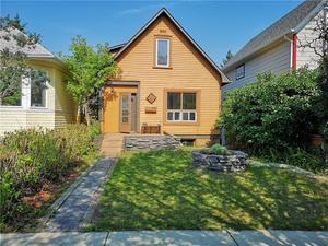 Sunnyside House for sale:  2 bedroom 1,035 sq.ft. (Listed 2018-12-15)