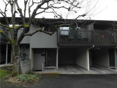 North Burnaby Townhouse:  3 bedroom