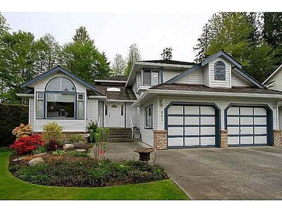 Surrey House/Single Family:  3 bedroom  Stainless Steel Appliances, Granite Countertop