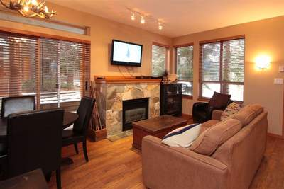 Whistler Village Townhouse for sale:  1 bedroom 605 sq.ft. (Listed 2017-11-23)