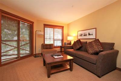 Benchlands Condo for sale:  2 bedroom 973 sq.ft. (Listed 2018-03-09)