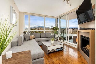 Brentwood Apartment/Condo for sale:  1 bedroom 767 sq.ft. (Listed 2021-04-25)