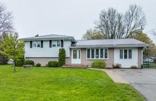 Plattsville Multi-level home for sale:  3 bedroom  (Listed 2017-05-11)