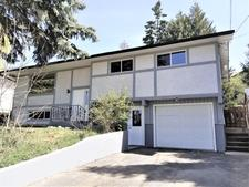 Creston House for sale:  4 bedroom  (Listed 2020-02-24)