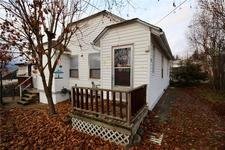 Creston House for sale:  2 bedroom 840 sq.ft. (Listed 2018-12-06)