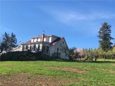 Wynndel House for sale:  3 bedroom 1,406 sq.ft. (Listed 2018-12-06)