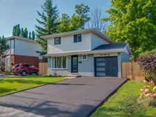 Doon House for sale:  3 bedroom 1,400 sq.ft. (Listed 2018-08-20)