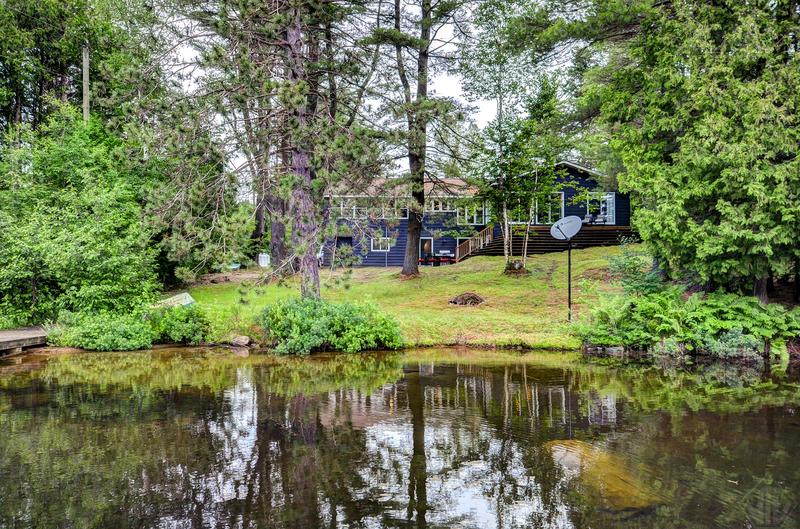 Cottage for Sale in Muskoka: 1002 Kelly Road, Huntsville