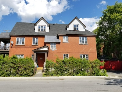 Sandy Hill Commercial Building for sale:  9 bedroom  (Listed 2017-08-17)