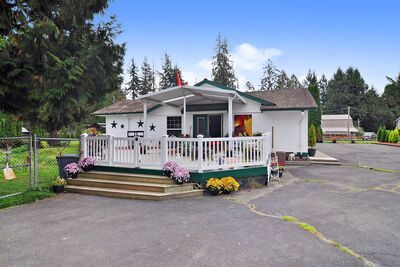 Salmon River Uplands House with Acreager: 3 bedroom