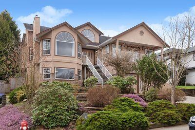 Big and Beautiful Home!