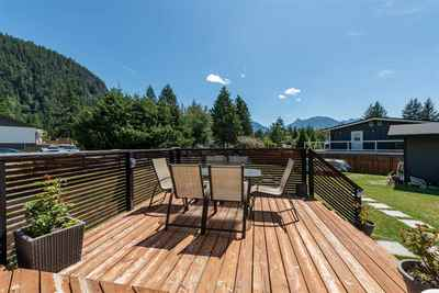 Brackendale House for sale:  3 bedroom 1,700 sq.ft. (Listed 2019-07-17)