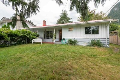 Valleycliffe House/Single Family for sale:  2 bedroom 1,056 sq.ft. (Listed 2020-08-24)