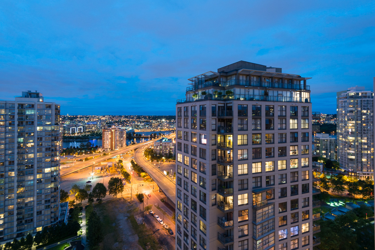 2301-950 Cambie (View)
