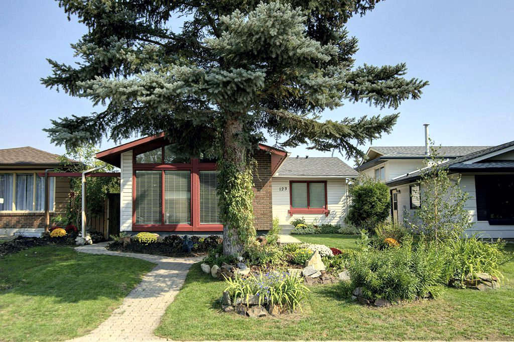 Midnapore House for sale:  4 bedroom 1,158 sq.ft. (Listed 2018-09-10)