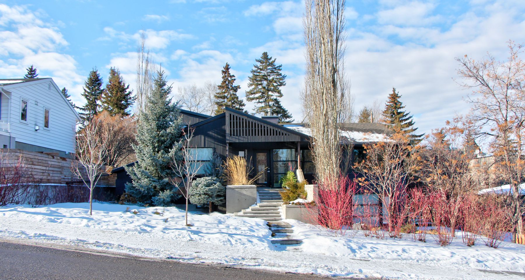 Upper Mount Royal House for sale:  5 bedroom 2,341 sq.ft. (Listed 2019-02-01)