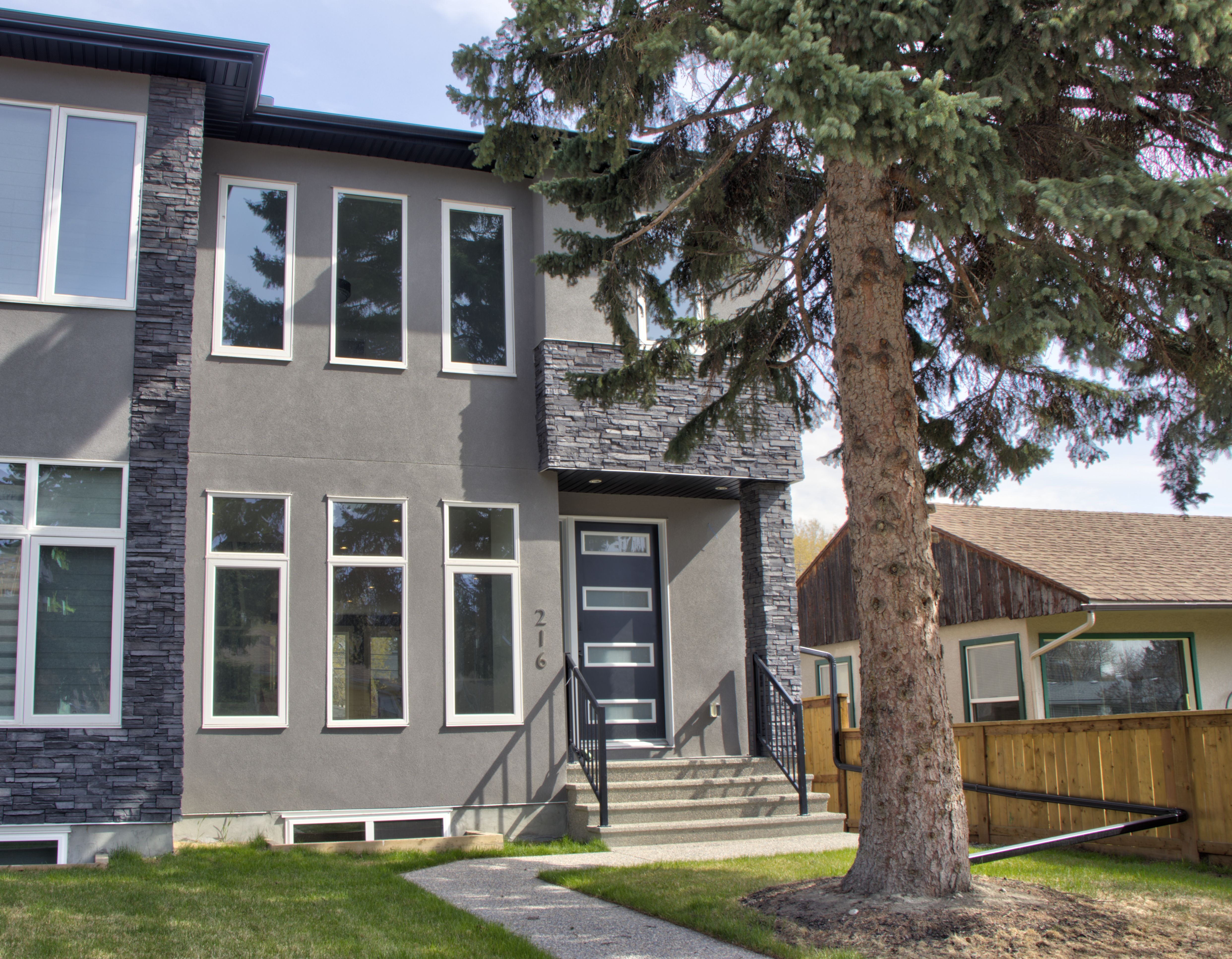 Tuxedo Park Semi Detached for sale:  4 bedroom 1,805 sq.ft. (Listed 2020-06-11)