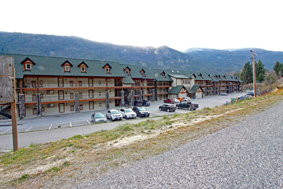 Castlegar Condo  for sale: The Waterfront at Arrow Lakes  2 bedroom 978 sq.ft. (Listed 2018-12-07)
