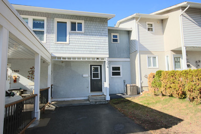 Trail Townhouse for sale:  3 bedroom 1,425 sq.ft. (Listed 2017-10-11)