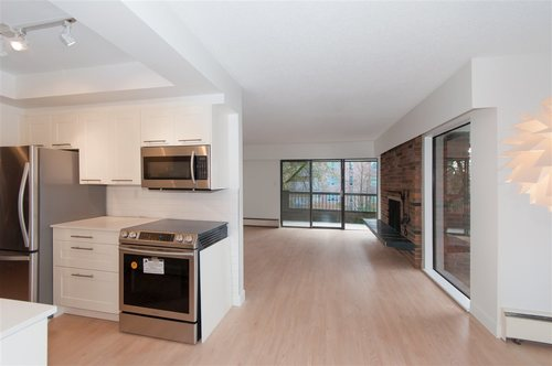 Kerrisdale Condo in the heart of Vancouver West