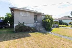 Brentwood Park House for sale:  3 bedroom 1,059 sq.ft. (Listed 2019-03-11)