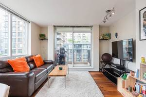 Yaletown Condo for sale:  2 bedroom 933 sq.ft. (Listed 2019-05-31)