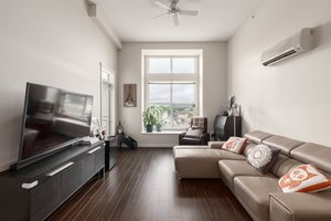 West Cambie Condo for sale:  2 bedroom 955 sq.ft. (Listed 2019-12-27)