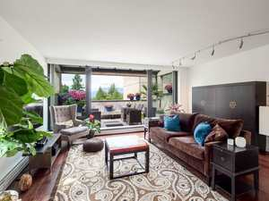 Shaughnessy Condo for sale:  1 bedroom 1,203 sq.ft. (Listed 2019-12-27)