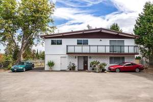 McLennan House for sale:  5 bedroom 2,300 sq.ft. (Listed 2019-12-27)