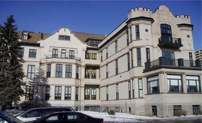 Lowertown Condominium: The Wallis House
