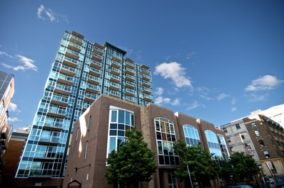 Byward Market - Lowertown Apartment for sale: York Plaza 2 bedroom  Stainless Steel Appliances, Glass Shower, Hardwood Floors  (Listed 2019-02-25)