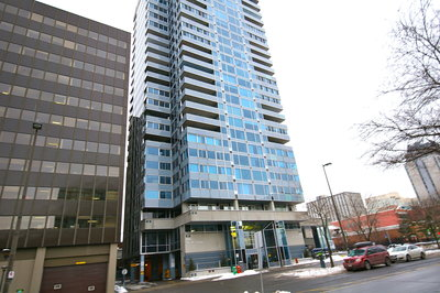 The Market Condominium: Place St-George