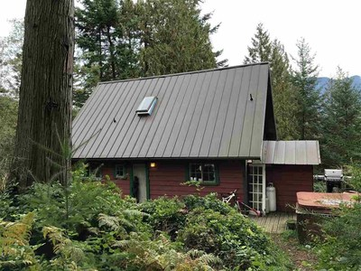 Bowen Island House for sale:  3 bedroom 1,176 sq.ft. (Listed 2019-10-15)