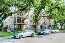 Parkdale Condo for sale:  2 bedroom 891 sq.ft. (Listed 2020-01-29)