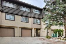 Lakeview Townhouse for sale:  3 bedroom 1,654 sq.ft. (Listed 2019-08-20)