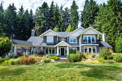 Beautiful British Properties Home Sitting on a Massive Lot!