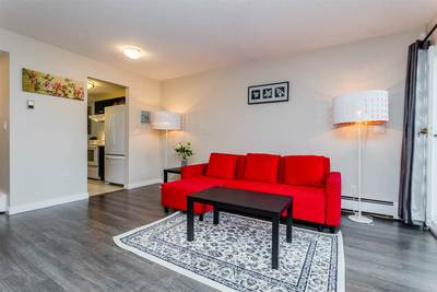 East Newton Townhouse for sale:  2 bedroom 1,032 sq.ft. (Listed 2017-05-17)